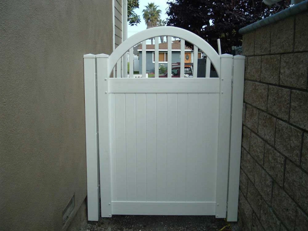 White Solid Privacy Gate with Custom Arched Picket Top
