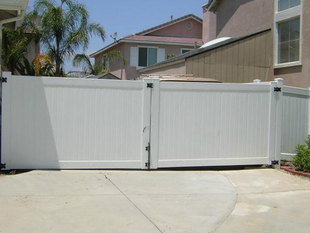 White Vinyl Solid Privacy Double Drive Gate