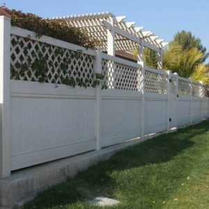 White VInyl Privacy Fencing with Lattice Top